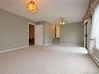 Photo 9: 826 Cameo St in VICTORIA: SE High Quadra House for sale (Saanich East)  : MLS®# 722342