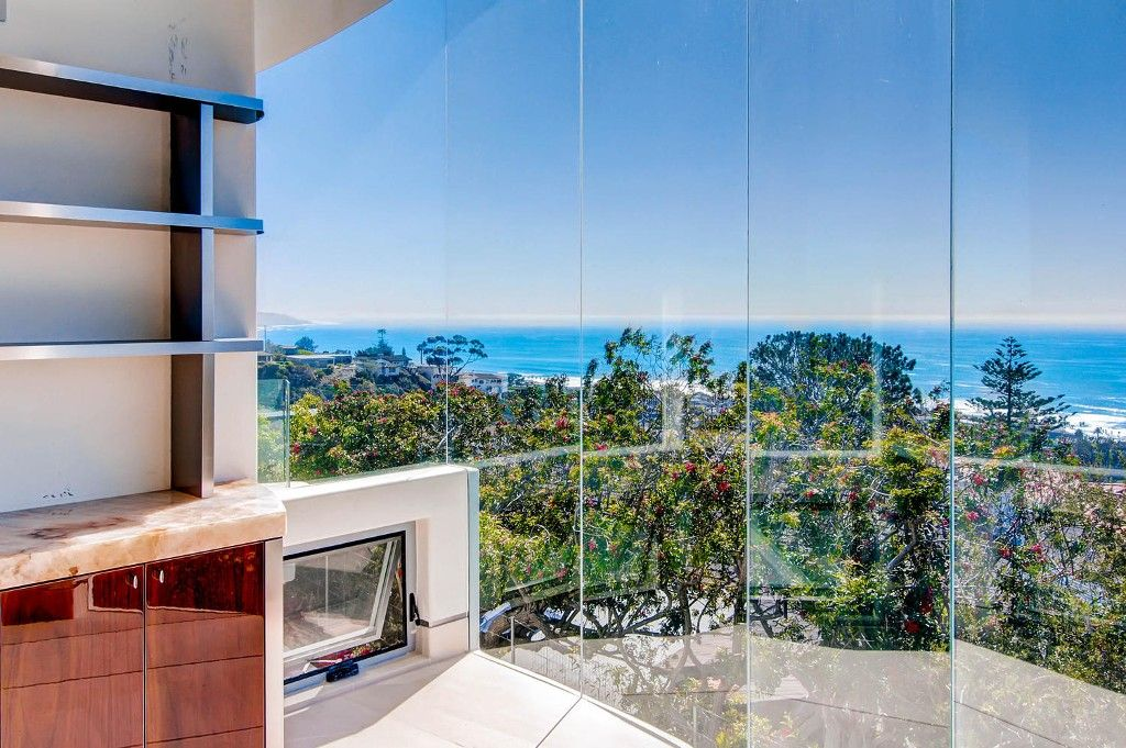 Photo 12: Photos: Residential for sale : 5 bedrooms :  in La Jolla