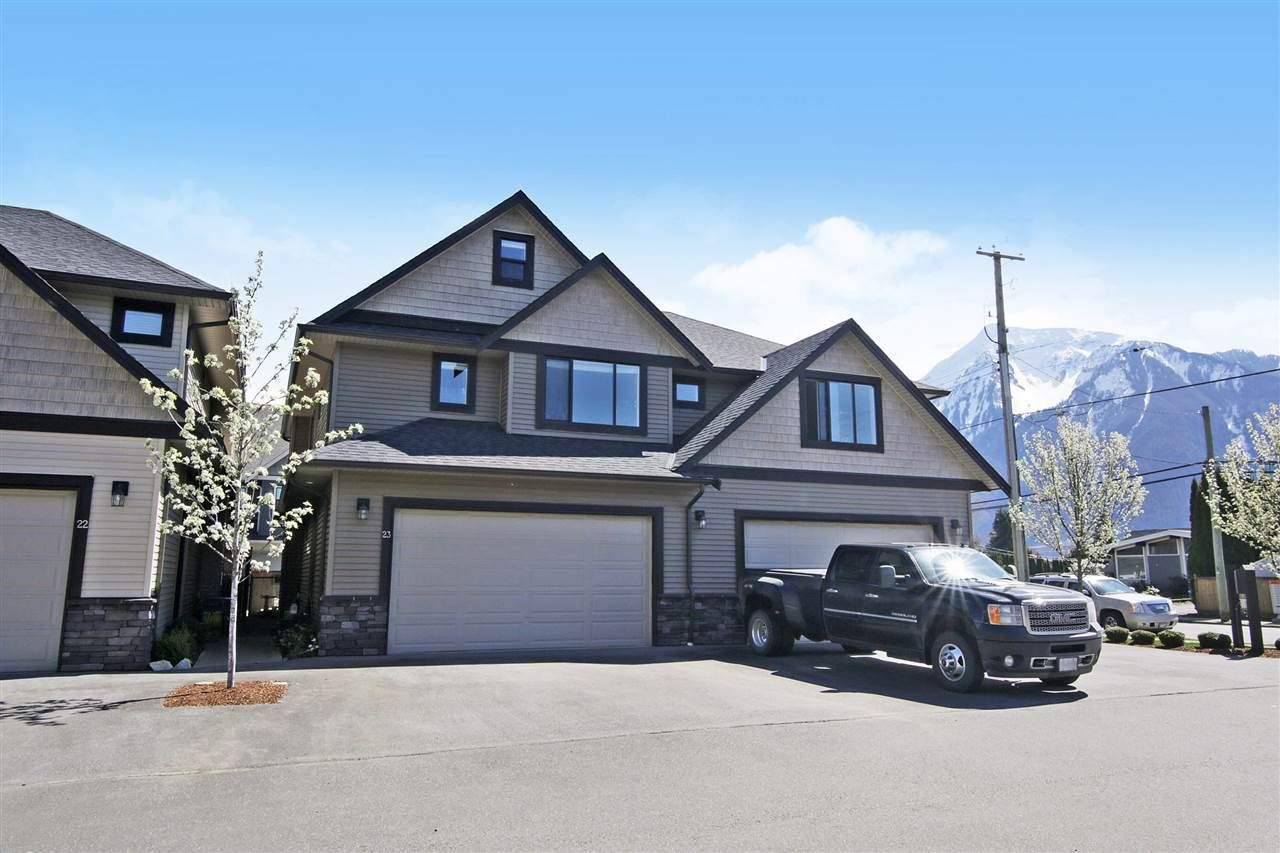 """Main Photo: 23 7411 MORROW Road: Agassiz Townhouse for sale in """"Sawyers Landing"""" : MLS®# R2565261"""