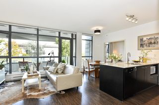 """Photo 5: 404 2851 HEATHER Street in Vancouver: Fairview VW Condo for sale in """"Tapestry"""" (Vancouver West)  : MLS®# R2512313"""