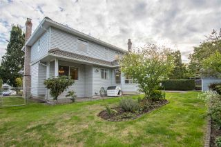 """Photo 19: 19041 62 Avenue in Surrey: Cloverdale BC House for sale in """"Cloverdale Hilltop"""" (Cloverdale)  : MLS®# R2307623"""