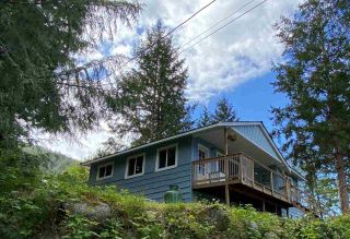 Photo 5: 5193 SUMMIT Road in Madeira Park: Pender Harbour Egmont House for sale (Sunshine Coast)  : MLS®# R2575992