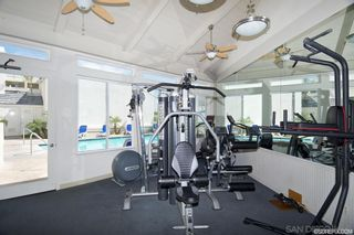 Photo 10: PACIFIC BEACH Condo for sale : 1 bedrooms : 4015 Crown Point Dr #208 in San Diego