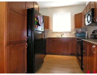 "Photo 2: 410 33318 BOURQUIN Crescent in Abbotsford: Central Abbotsford Condo for sale in ""NATURES GATE"" : MLS®# F2801735"
