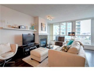 """Photo 2: 901 120 MILROSS Avenue in Vancouver: Mount Pleasant VE Condo for sale in """"THE BRIGHTON"""" (Vancouver East)  : MLS®# V976401"""