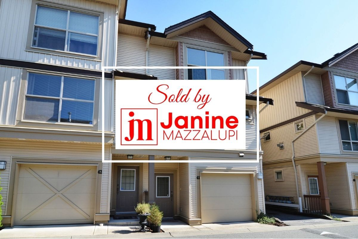 """Main Photo: 41 20350 68 Avenue in Langley: Willoughby Heights Townhouse for sale in """"SUNRIDGE"""" : MLS®# F1420781"""