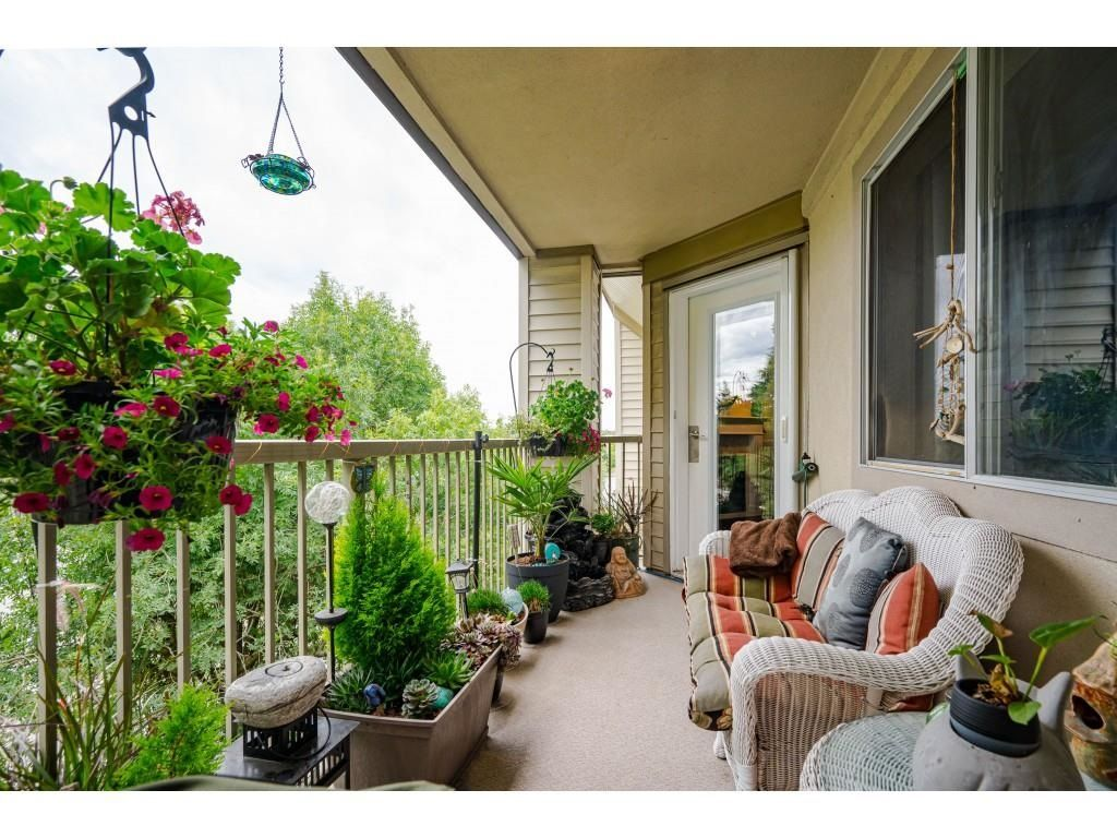 """Photo 23: Photos: 306 5450 208 Street in Langley: Langley City Condo for sale in """"Montgomery Gate"""" : MLS®# R2608181"""