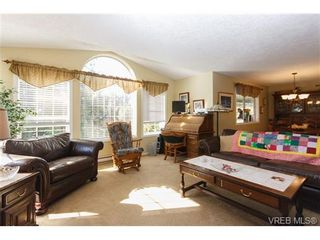Photo 5: 924 Wendey Dr in VICTORIA: La Walfred House for sale (Langford)  : MLS®# 675974