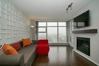 """Photo 7: 1001 2289 YUKON Crescent in Burnaby: Brentwood Park Condo for sale in """"WATERCOLOURS"""" (Burnaby North)  : MLS®# R2228233"""