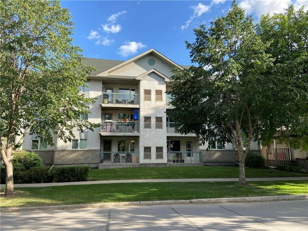 Main Photo: 301 737 St Joseph Street in Winnipeg: St Boniface Condominium for sale (2A)  : MLS®# 202018192