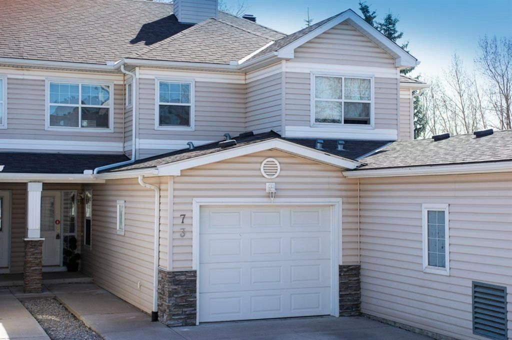 Main Photo: 73 2318 17 Street SE in Calgary: Inglewood Row/Townhouse for sale : MLS®# A1098159