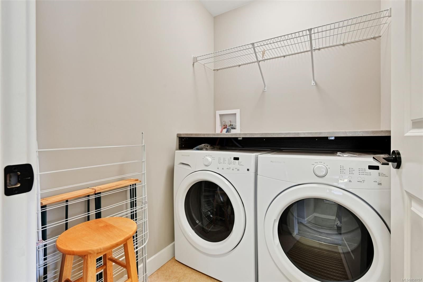Photo 22: Photos: 1262 McLeod Pl in : La Happy Valley House for sale (Langford)  : MLS®# 858707