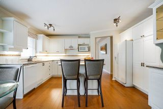 """Photo 7: 19 8555 209 Street in Langley: Walnut Grove Townhouse for sale in """"AUTUMNWOOD"""" : MLS®# R2575003"""