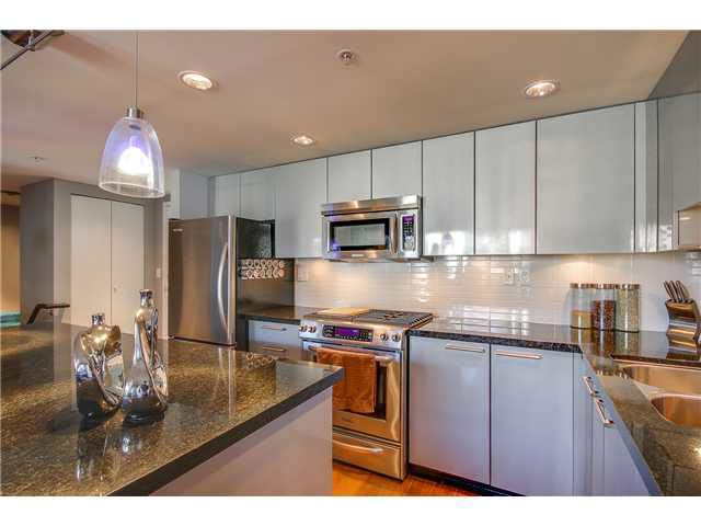"""Photo 6: Photos: 110 1288 CHESTERFIELD Avenue in North Vancouver: Central Lonsdale Condo for sale in """"ALINA"""" : MLS®# V1065611"""