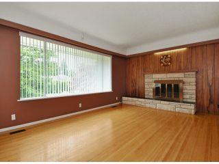 """Photo 2: 821 COTTONWOOD Avenue in Coquitlam: Coquitlam West House for sale in """"WEST COQUITLAM"""" : MLS®# V1067082"""