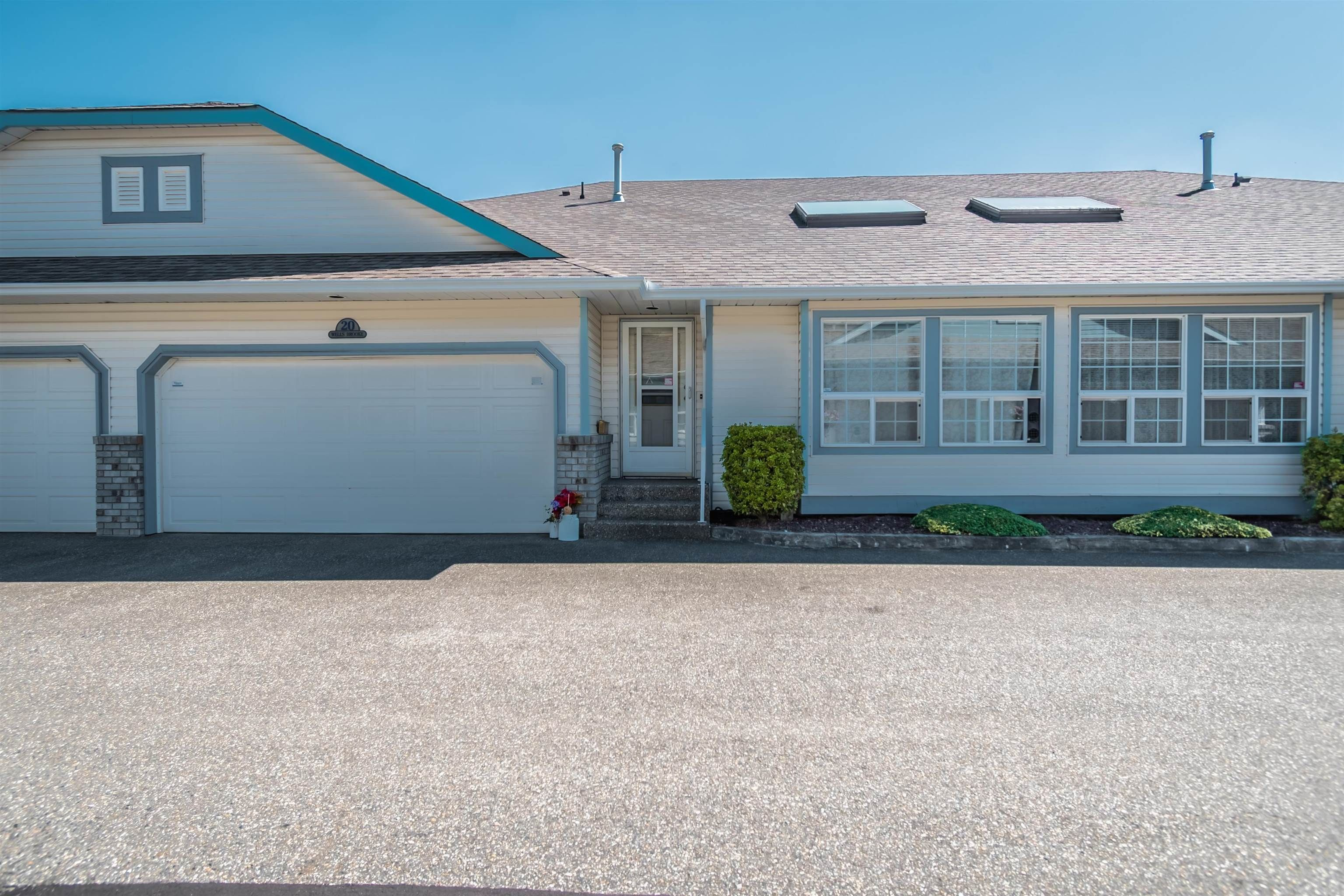 """Main Photo: 20 45175 WELLS Road in Chilliwack: Sardis West Vedder Rd Townhouse for sale in """"Wellsbrooke"""" (Sardis)  : MLS®# R2610253"""