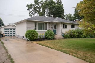 Photo 1: 152 Barrington Avenue in Winnipeg: Pulberry Residential for sale (2C)  : MLS®# 202117296