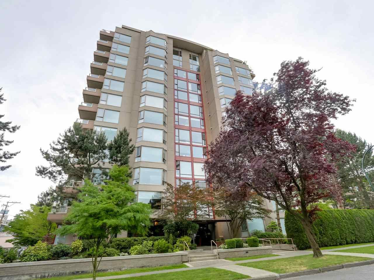 "Main Photo: PH1 2108 W 38TH Avenue in Vancouver: Kerrisdale Condo for sale in ""THE WILSHIRE"" (Vancouver West)  : MLS®# R2072443"