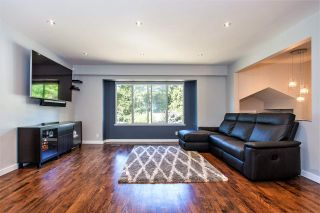 Photo 3: 267 CHESTER Court in Coquitlam: Cape Horn House for sale : MLS®# R2203386