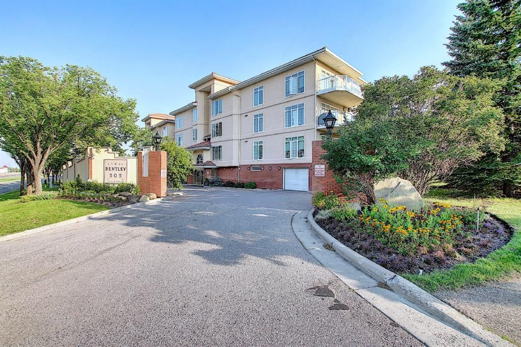 Main Photo: 602 505 Canyon Meadows Drive SW in Calgary: Canyon Meadows Apartment for sale : MLS®# A1131560