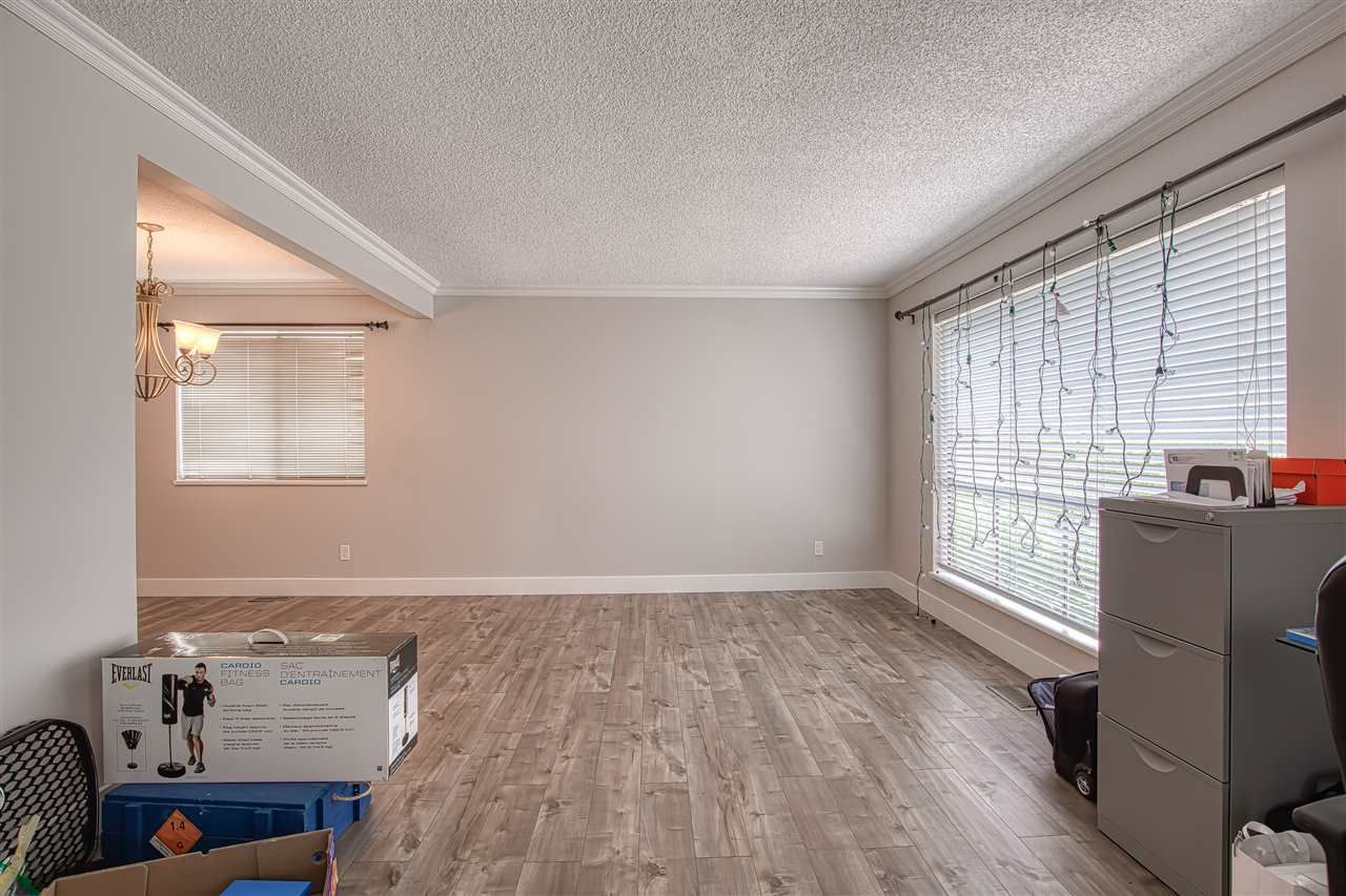 """Photo 11: Photos: 8137 WILTSHIRE BOULEVARD Boulevard in Delta: Nordel House for sale in """"Canterbury Heights"""" (N. Delta)  : MLS®# R2474823"""
