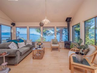 Photo 11: 3941 FRANCIS PENINSULA Road in Madeira Park: Pender Harbour Egmont House for sale (Sunshine Coast)  : MLS®# R2562951