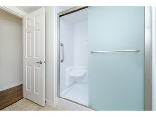 """Photo 11: 49 32959 GEORGE FERGUSON Way in Abbotsford: Central Abbotsford Townhouse for sale in """"Oakhurst"""" : MLS®# R2252811"""
