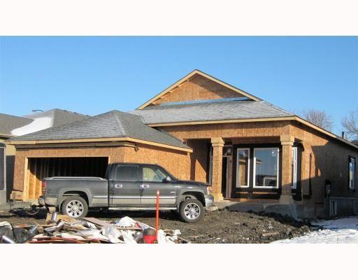 Main Photo: 106 MCBETH Grove in WINNIPEG: West Kildonan / Garden City Residential for sale (North West Winnipeg)  : MLS®# 2822106
