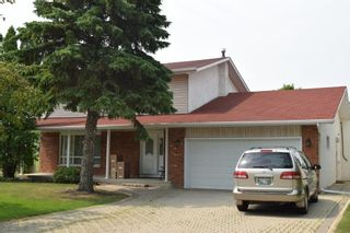 Photo 1: 66 Forest Lake Drive in Winnipeg: Fort Garry / Whyte Ridge / St Norbert Single Family Detached for sale (South Winnipeg)