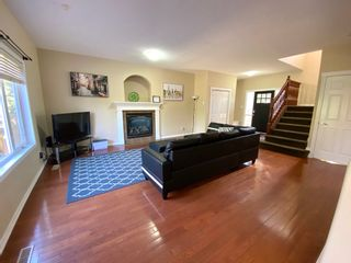 Photo 4: 648 Gessinger Rd in Edmonton: House for rent