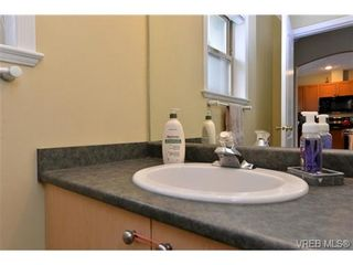 Photo 16: 24 127 Aldersmith Pl in VICTORIA: VR Glentana Row/Townhouse for sale (View Royal)  : MLS®# 738136