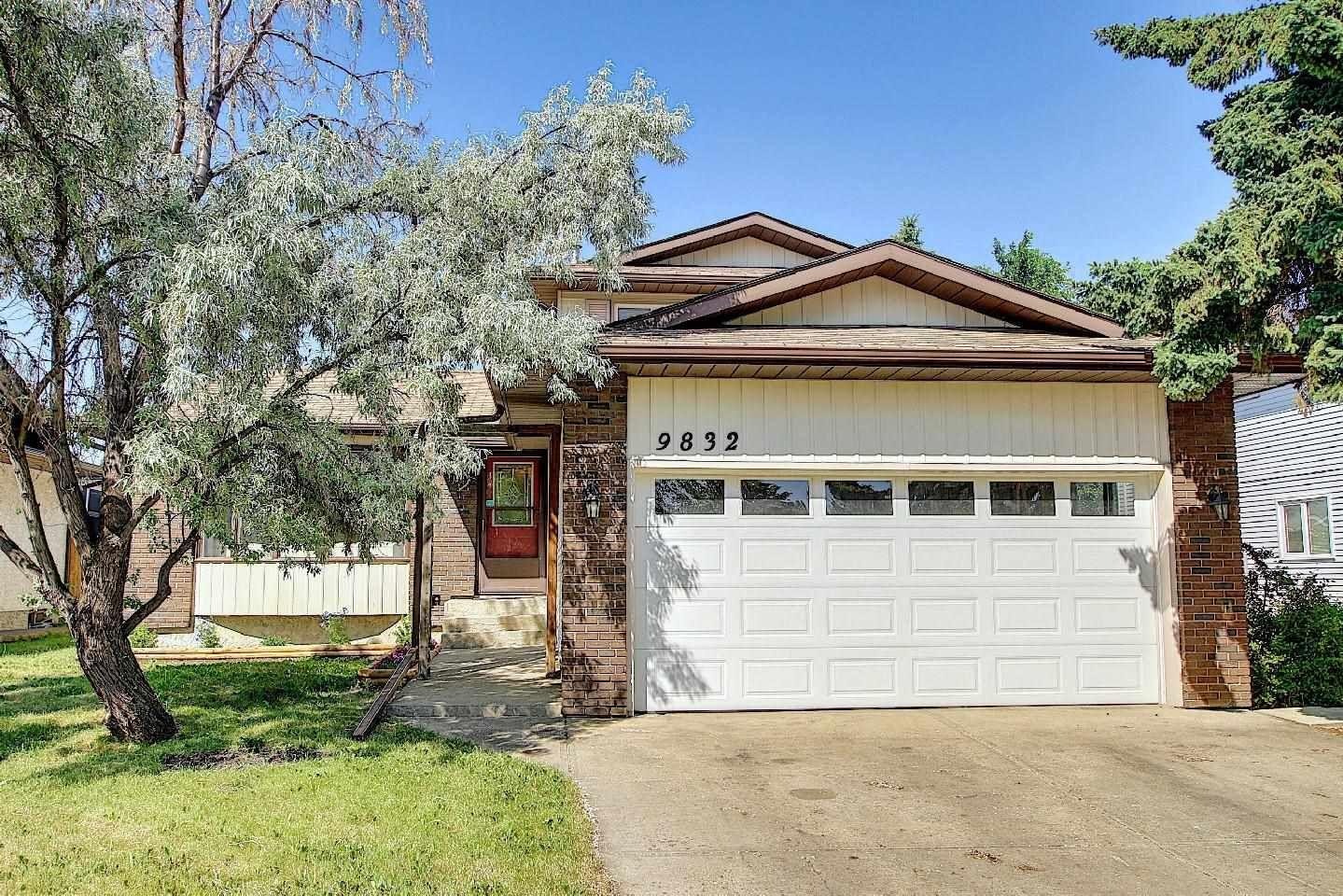 Main Photo: 9832 187 Street in Edmonton: Zone 20 House for sale : MLS®# E4253744