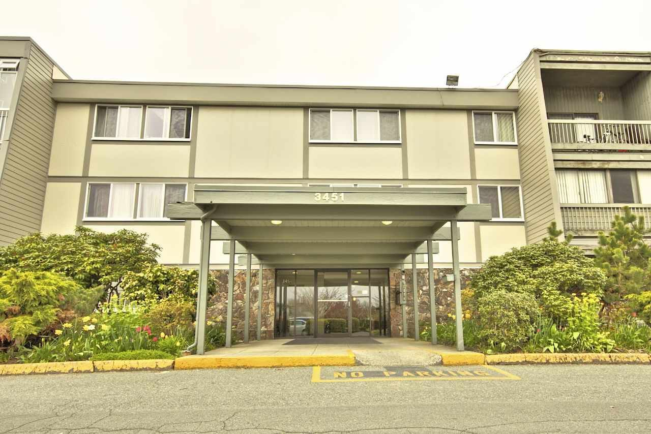 "Main Photo: 113 3451 SPRINGFIELD Drive in Richmond: Steveston North Condo for sale in ""ADMIRAL COURT"" : MLS®# R2216857"