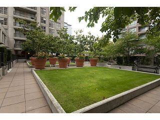 "Photo 19: 609 969 RICHARDS Street in Vancouver: Downtown VW Condo for sale in ""Mondrian II"" (Vancouver West)  : MLS®# V1108545"