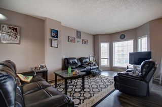 Photo 5: 129 Martinpark Way NE in Calgary: Martindale Detached for sale : MLS®# A1105231