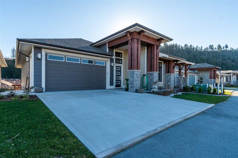 FEATURED LISTING: 66 - 46110 THOMAS Road Chilliwack