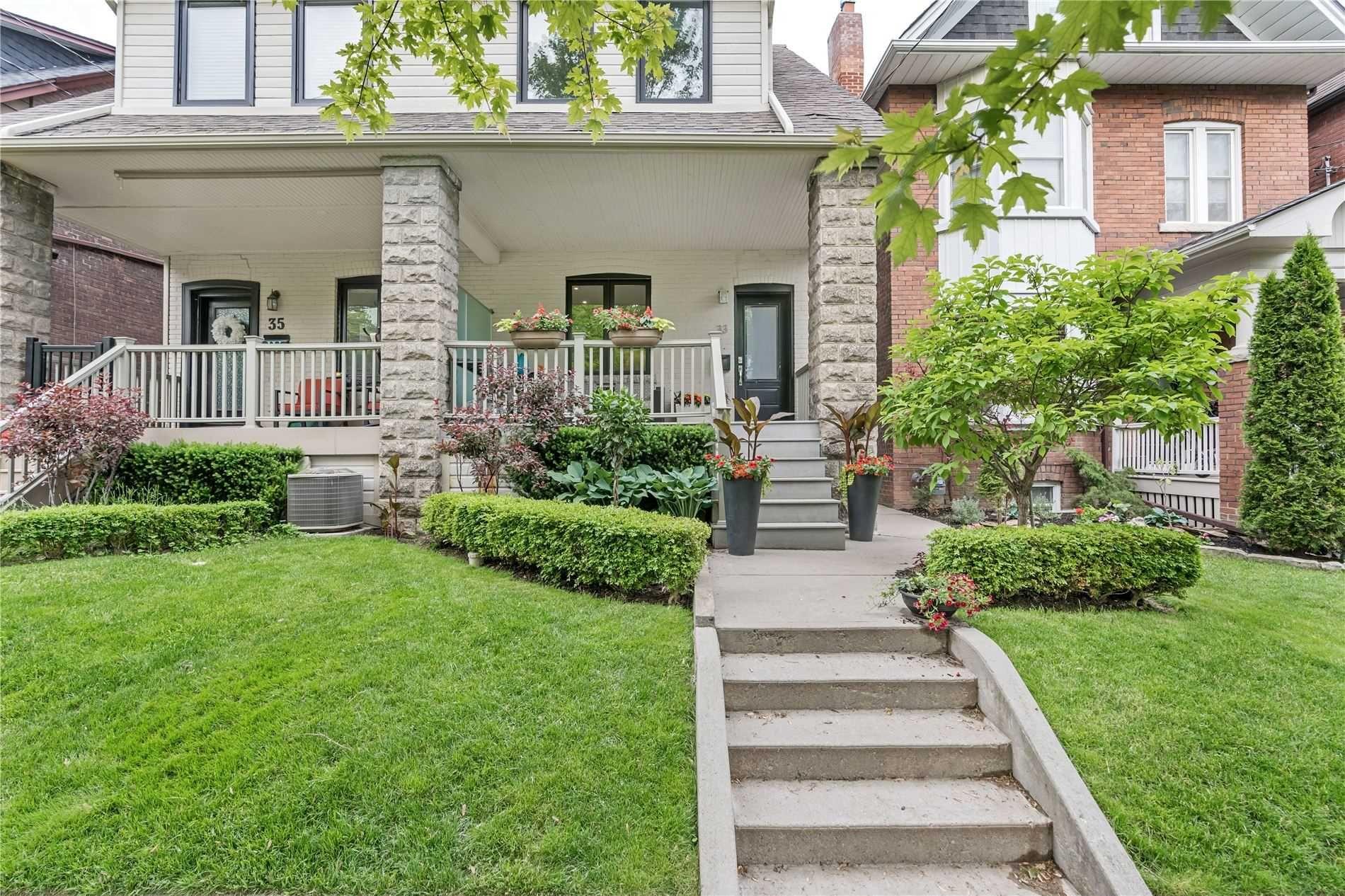 Main Photo: 33 Lockwood Road in Toronto: The Beaches House (2-Storey) for lease (Toronto E02)  : MLS®# E5274503
