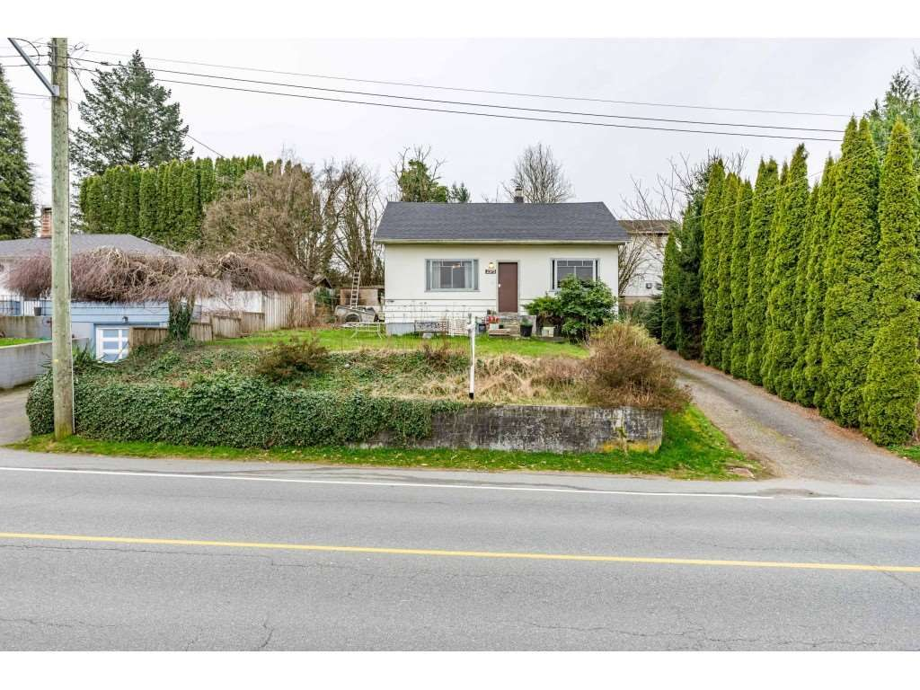 Main Photo: 2375 MCKENZIE Road in Abbotsford: Central Abbotsford House for sale : MLS®# R2559904