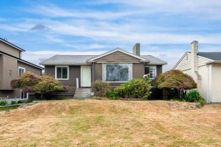 Main Photo: 2557 W KING EDWARD Avenue in Vancouver: Arbutus House for sale (Vancouver West)  : MLS®# R2625415