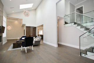 Photo 4: 5032 WALKER Avenue in Delta: Pebble Hill House for sale (Tsawwassen)  : MLS®# R2433027