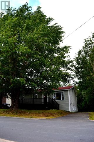 Photo 2: 16 Crewe's Road in Glovertown: House for sale : MLS®# 1236312