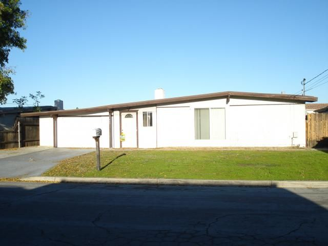 Main Photo: SANTEE House for sale : 3 bedrooms : 11062 Meadow Terrace