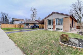 Photo 2: 6 Lausanne Cres in Toronto: Guildwood Freehold for sale (Toronto E08)  : MLS®# E4340572
