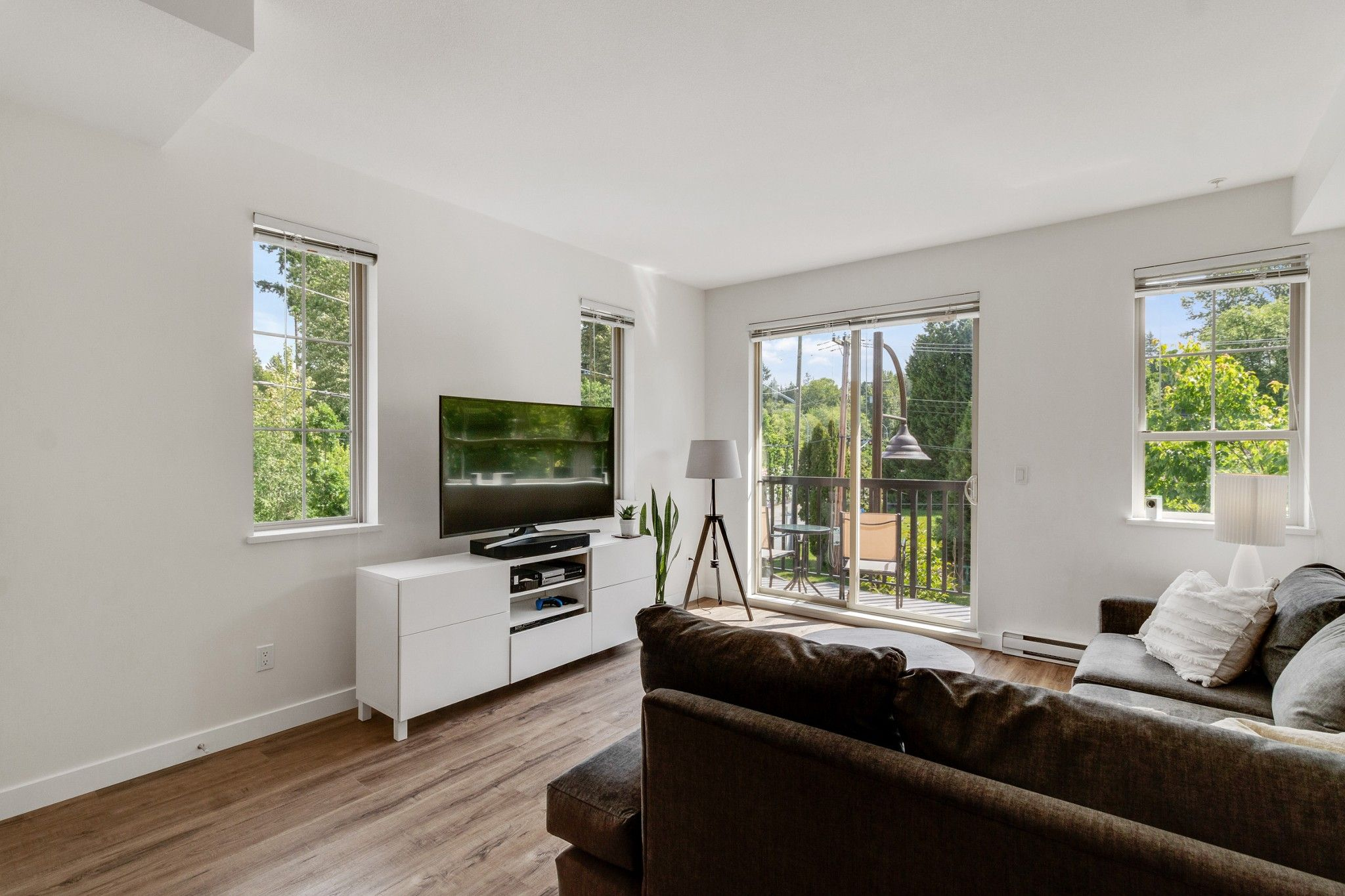 """Main Photo: 18 433 SEYMOUR RIVER Place in North Vancouver: Seymour NV Townhouse for sale in """"MAPLEWOOD"""" : MLS®# R2585787"""