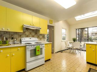 Photo 9: 2475 W 16TH Avenue in Vancouver: Kitsilano House for sale (Vancouver West)  : MLS®# R2143783