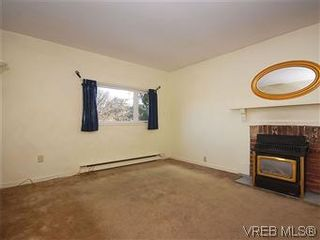 Photo 10: 669 Pine St in VICTORIA: VW Victoria West House for sale (Victoria West)  : MLS®# 560025