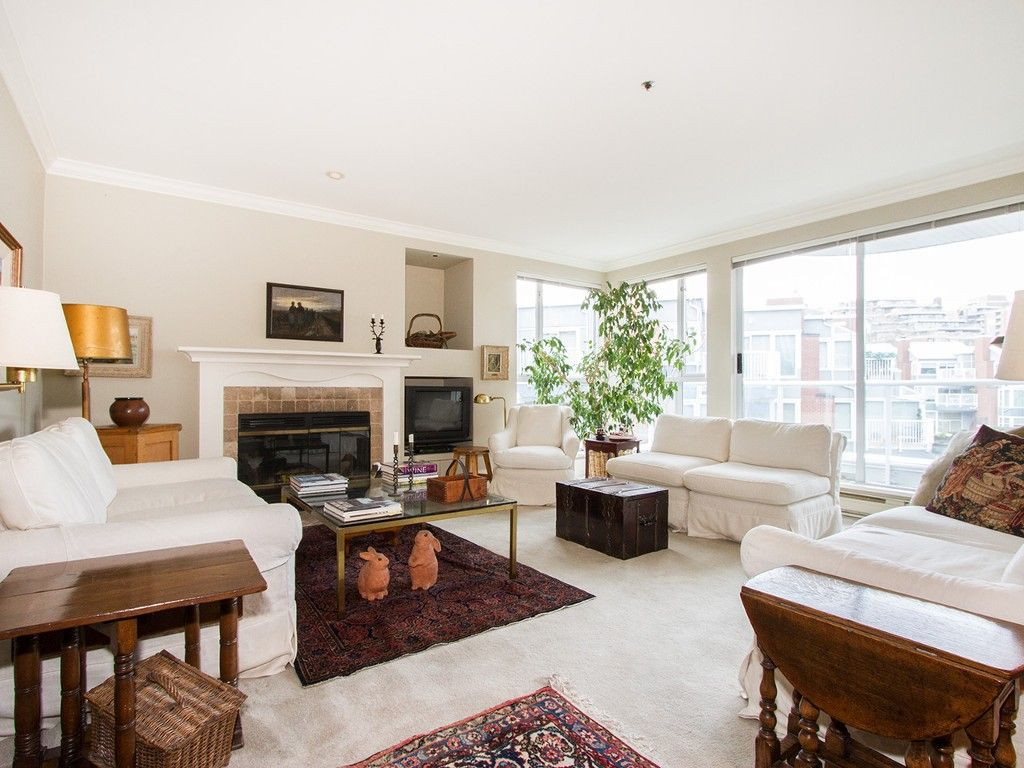 """Main Photo: 201 1551 MARINER Walk in Vancouver: False Creek Condo for sale in """"LAGOONS"""" (Vancouver West)  : MLS®# V1098962"""