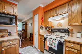 """Photo 10: 403 21937 48 Avenue in Langley: Murrayville Townhouse for sale in """"ORANGEWOOD"""" : MLS®# R2590300"""