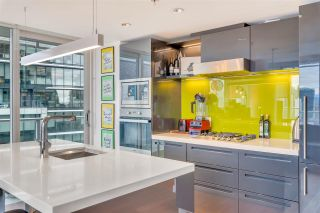 """Photo 13: 2306 777 RICHARDS Street in Vancouver: Downtown VW Condo for sale in """"TELUS GARDEN"""" (Vancouver West)  : MLS®# R2512538"""