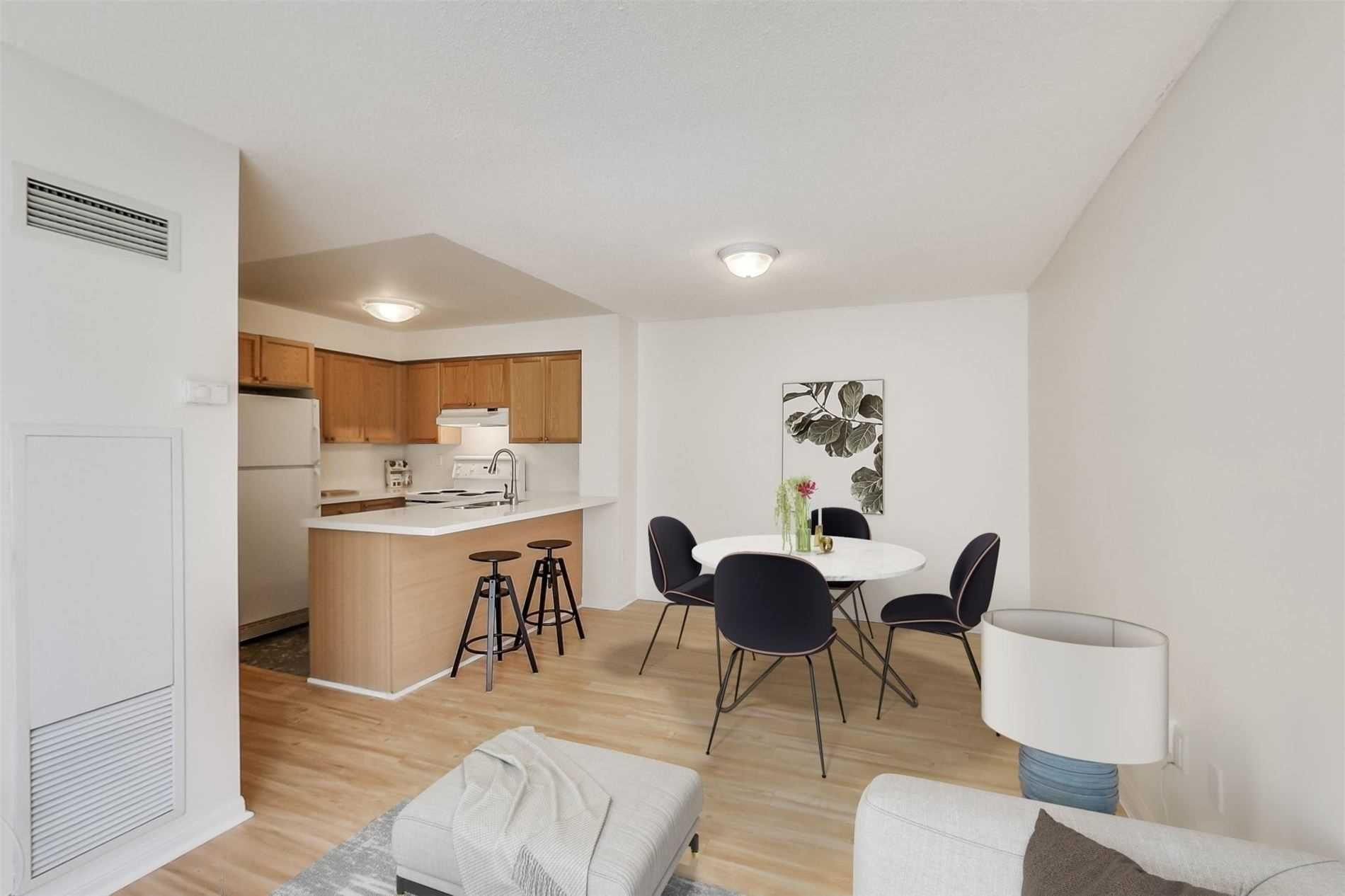 Photo 8: Photos: 808 109 E Front Street in Toronto: Moss Park Condo for lease (Toronto C08)  : MLS®# C4816382